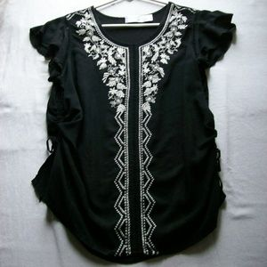 TIME AND TRU. Black/White Embroidered Boho Blouse